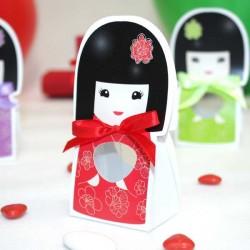 Contenant à dragées kokeshi rouge