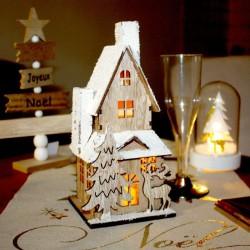 Maisonnette enneigée lumineuse pour Noël