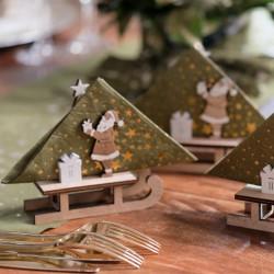Luge du Père Noël Naturelle, une décoration écologique qui fait office de porte-serviette.