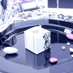 8 Cubes à dragées Arabesque Blancs et Noirs