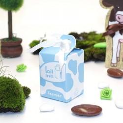 Contenant à dragées boîte de lait bleu