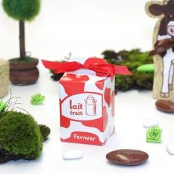 Contenant à dragées boîte de lait rouge